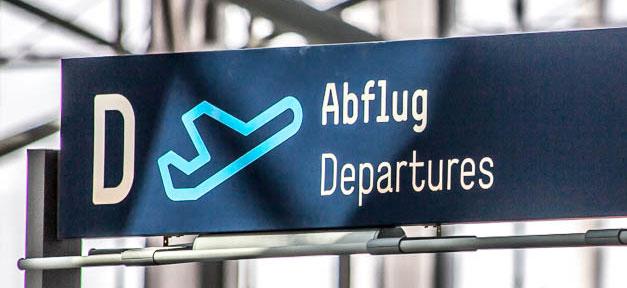 Abflug, Flughafen, Flugzeug, Abschiebung, Auswanderung