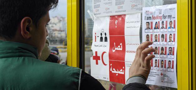 Flüchtlinge, Suche, Familie, Suchdienst, Vermisst