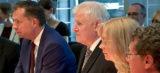 Seehofer verspricht Muslimen Förderung für Integration