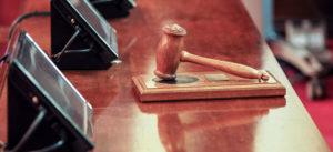 Richter, Gericht, Hammer, Richterhammer, Richterpult