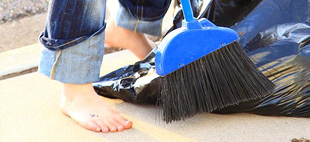 Besen, Füße, Putzen, Putzfrau, Reinigung, Saubermachen