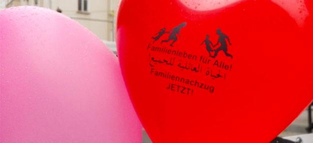 Demo, Demonstration, Luftballon, Familiennachzug, Flüchtlinge