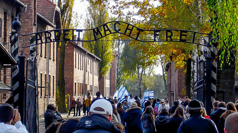 Auschwitz, Besucher, Stacheldraht, Konzentrationslager, KZ, Juden, Völkermord, Holocaust, Nationalsozialismus