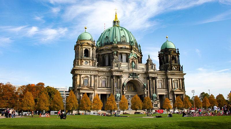 Berliner Dom, Kirche, Menschen, Religion, Wiese