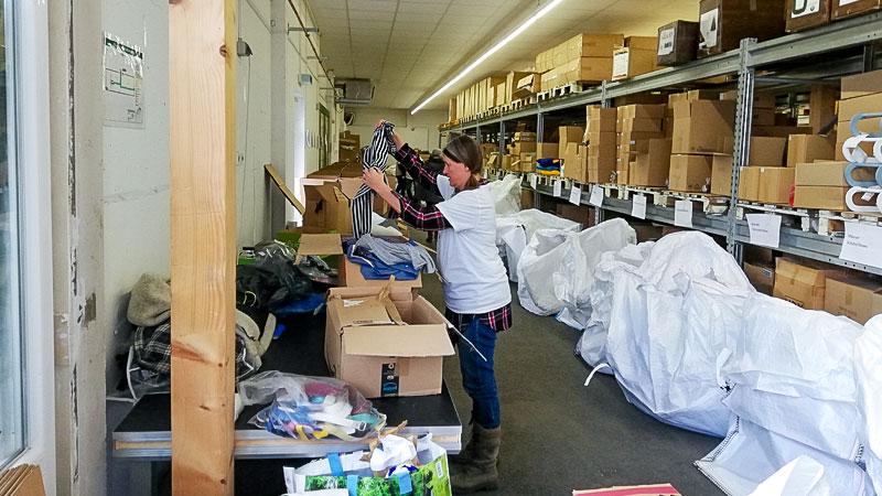 Flüchtlinge, Sammeln, Spenden, Hilfe, Lager, Kartons, Flüchtlingshilfe