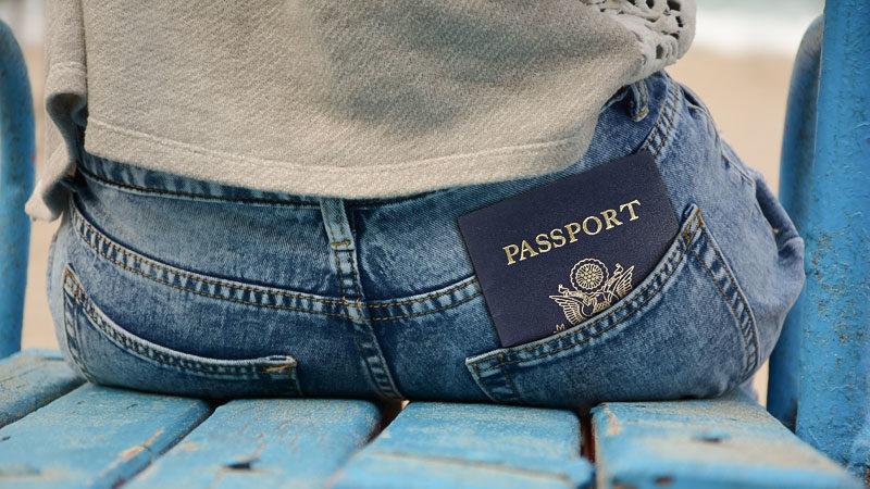 Reisepass, Sitzen, Warten, Jeans, Visum, Visa, Passport