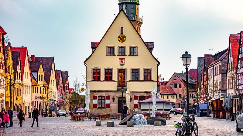 Stadt, Rathaus, Menschen, Bayern, Gebäude, Gemeinde
