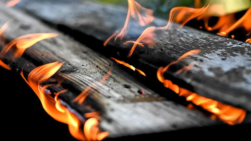 Brand, Brandanschlag, Feuer, Holz