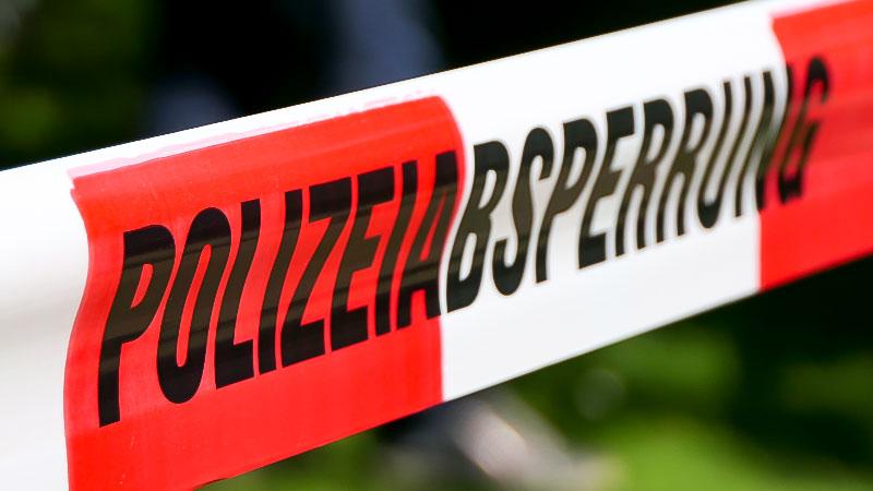 Polizeiabsperrung, Durchsuchung, Ermittlung, Polizei, Gewalt, Straftat