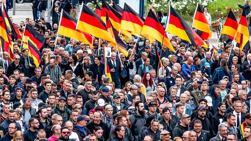 Rechtsextremisten, Trauermarsch, Chemnitz, Demonstration, Nazis, Neonazis