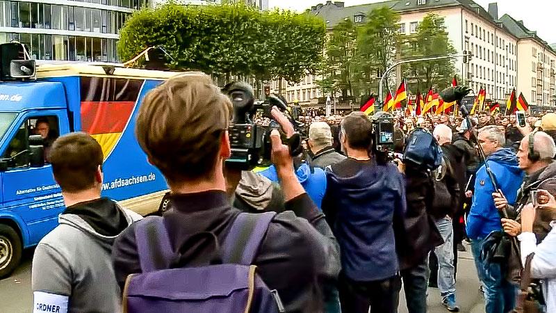 AfD, Demonstration, Journalisten, Medien, Rechtsextremisten