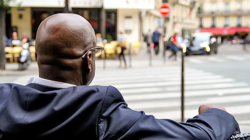 Schwarze Menschen, People of Color, Straße, Stadt, Rassismus