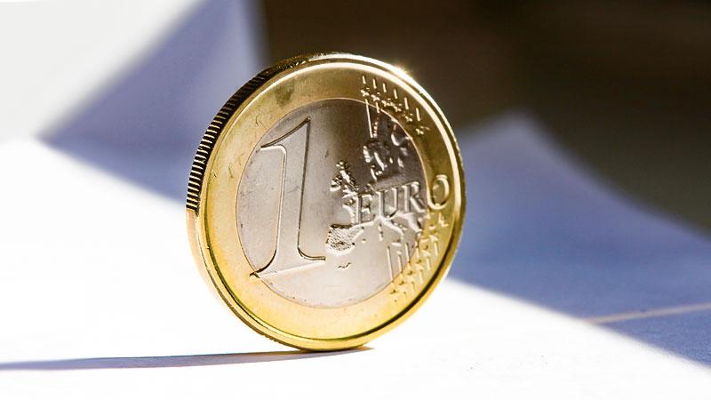 Euro, Münze, Geld, Ein Euro, Taler, Wirtschaft, Armut, Reichtum