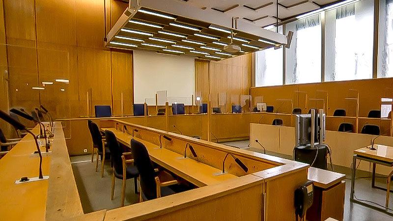 Gerichtssaal, Oberlandesgericht, Rechtsprechung, Justiz, Verhandlung, Prozess
