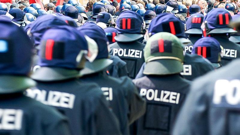 Polizei, Demonstration, Einsatz, Sicherheit, Demonstration, Gewalt, Hundertschaft
