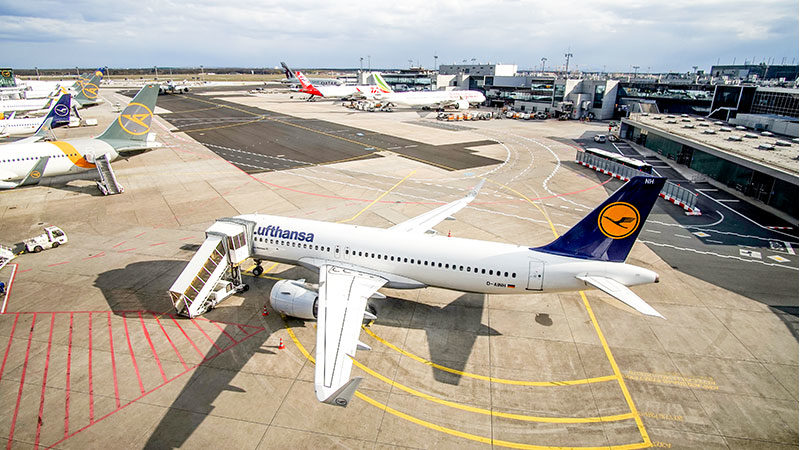 Flugzeug, Flughafen, Abflug, Einwanderung, Abschiebung