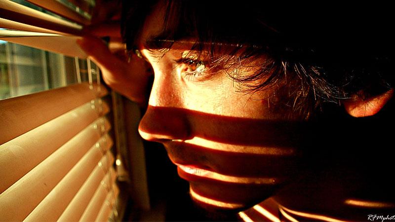 Jugendlicher, Fenster, Blick, Zukunft, Hoffnung, Traurig