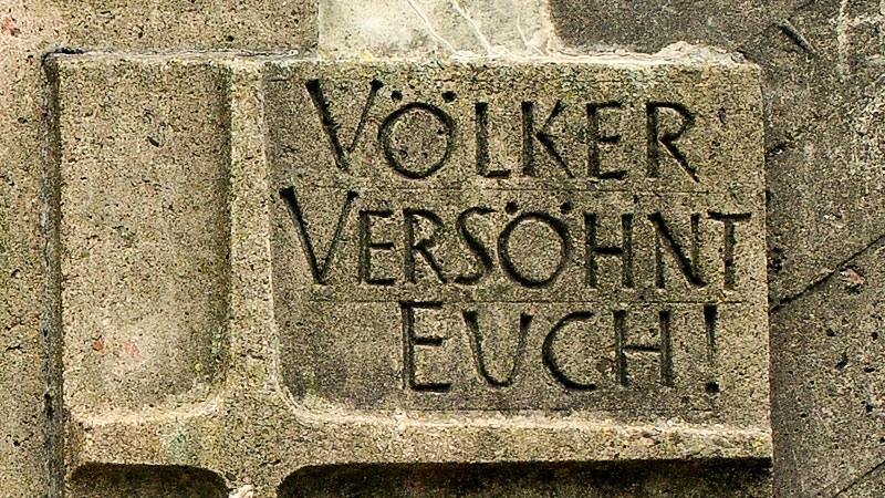 Friedland, Denkmal, Inschrift, Völker versöhnt euch!