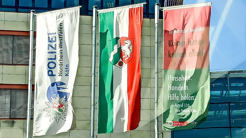 Polizei, NRW, Nordrhein-Westfalen, Köln, Polizist, Sicherheit, Fahne