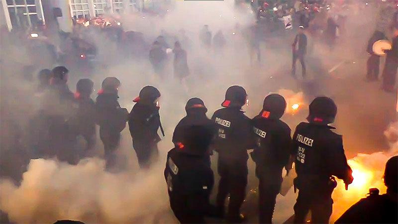 Demonstration, Polizei, Rechtsextremismus, Neonazis, Corona, Querdenken