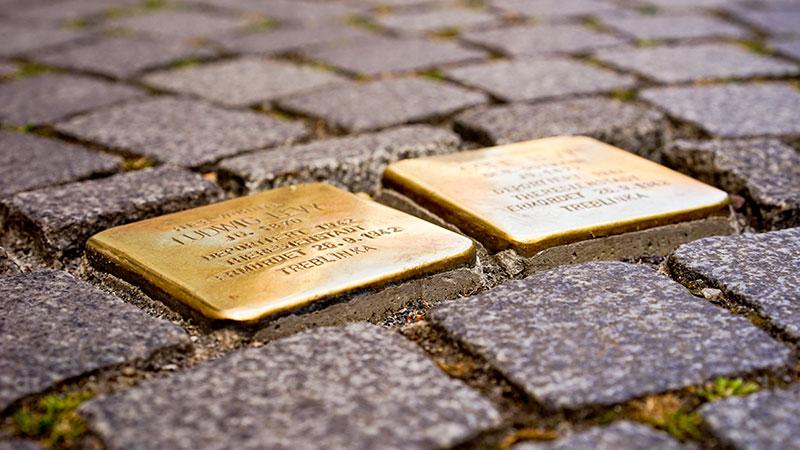 Stolpersteine, Nationalsozialismus, Erinnerungskultur, Holocaust, Nazis, Neonazis