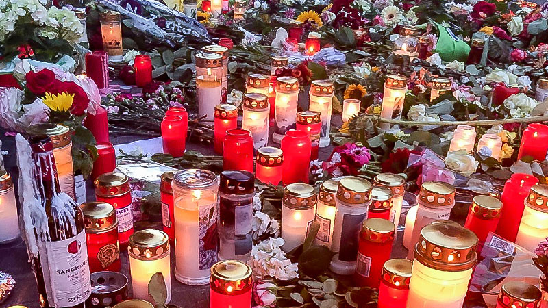 Würzburg, Kerzen, Blumen, Trauer, Straftat, Gewalt, Tote, Verletzte